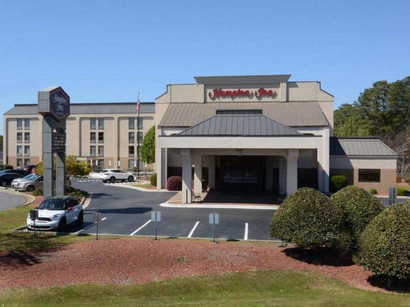 Hampton Inn Fayetteville feature image
